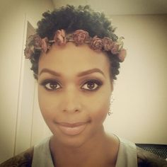 w/Floral headband. angelic hair & makeup by Chrisette Michele Natural Hair Inspiration, Natural Hair Tips, Natural Hair Journey, Natural Hair Styles, Au Natural, Natural Beauty, Pompadour, African American Hairstyles, African Hair