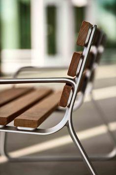 FGP Bench #landscapeforms #outdoorfurniture #sitefurniture #architect #bench