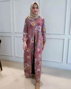 Dress Muslim Modern, Muslim Dress, Hijab Dress, Blouse Dress, Muslim Fashion, Hijab Fashion, Fashion Dresses, Pashmina Hijab Tutorial, Red Frock