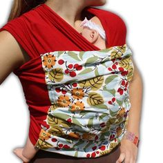 Sew your own baby sling with this super easy and fast baby sling sewing pattern and tutorial. Comfortable baby carrier for you and baby! Sewing a baby sling is fast and easy. Our baby sling patterns a Baby Sling Pattern, Wrap Pattern, Sewing For Kids, Baby Sewing, Sew Baby, Sewing Hacks, Sewing Projects, Sewing Tips, Sewing Ideas