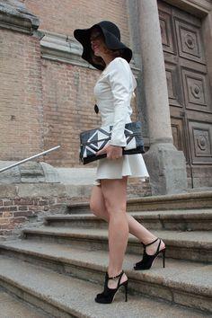 Margaret Dallospedale, Fashion blogger, Ethereal Black and White #kissmylook