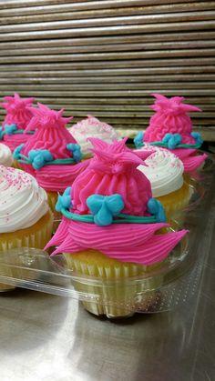 Trolls cupcake. Poppy cake