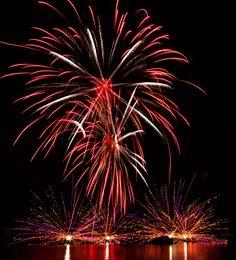 Illuminations Reflections of Earth at Epcot Photo #illuminations #disneyfireworks #epcot