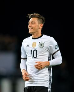 See related links to what you are looking for. Arsenal Players, Arsenal Fc, Football Soccer, Football Players, Fifa, Ozil Mesut, German National Team, Hector Bellerin, Dfb Team