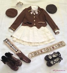Casual autumn chocolate coord with varieties of headwear. Clothes, Beret, OTKS and headbow: Angelic Pretty Blouse: Dear My Love Ankle boots: Dear My Love Shoes: Taobao
