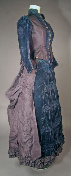 Silk and velvet gown NR | eBay