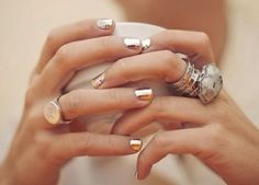 Super metallic gold nails, I seriously want this nail polish Bling Bling, Nail Bling, Gold Manicure, Gold Nails, Manicure Ideas, Cute Nails, Pretty Nails, Hair And Nails, My Nails