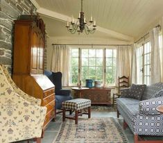 Sunroom, House Tours, Colonial, Dining Room, Stone, Sunrooms, Rock, Dining Room Sets, Dining Rooms