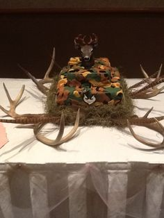 camouflage wedding ideas | Deer and camo grooms cake