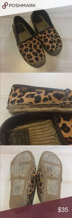 Tory Burch Leopard Espadrilles Slip Ons Shoes Super cute kick abouts from Tory Burch. The heel has pulled away from the soles on both. You don't see it when wearing. Otherwise great condition Sz 5.5 Tory Burch Shoes Espadrilles