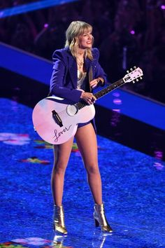 Uploaded by Dee Find images and videos about pink purple and Taylor Swift on We Heart It - the app to get lost in what you love Taylor Swift Legs, Estilo Taylor Swift, Long Live Taylor Swift, Taylor Swift Concert, Taylor Swift Style, Taylor Swift Pictures, Taylor Alison Swift, Red Taylor, Taylor Swift Guitar