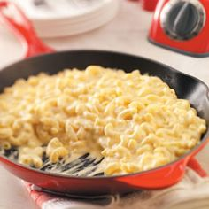 10 Mac and Cheese recipes from Taste of Home- Skillet Mac & Cheese Skillet Mac N Cheese Recipe, Mac Cheese Recipes, Skillet Recipes, Pasta Recipes, Home Recipes, Great Recipes, Cooking Recipes, Favorite Recipes, Delicious Recipes