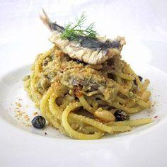 Realizza una perfetta pasta con le sarde grazie alla ricetta di Fresco Pesce con tutti i segreti dello chef!
