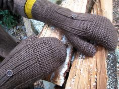 Borough mittens by Veronica O'Neil. Great mix of textures for both men and women.