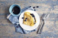 Pannekaker med blåbærsyltetøy Pancakes, Dessert, Breakfast, Ethnic Recipes, Morning Coffee, Pancake, Desserts, Deserts, Crepes