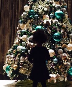 Beyonce Shares Pic of Blue Ivy and Beautiful Christmas Tree   Cambio