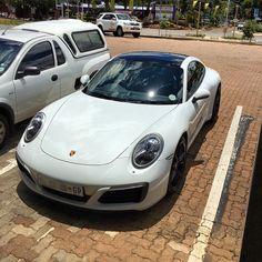 Simple clean Carrera S Spotted by @greg1902h  #ExoticSpotSA #Zero2Turbo #SouthAfrica #Porsche #CarreraS