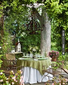 Wow! - In the garden. | CHECK OUT MORE GREAT GREEN WEDDING IDEAS AT…