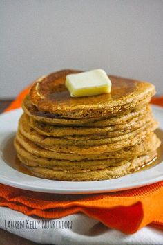 The Pumpkin Protein Pancakes are so delicious you will want to make them all year long! Lauren Kelly Nutrition No Carb Recipes, Good Healthy Recipes, Cooking Recipes, Skinny Recipes, Healthy Meals, Best Breakfast, Breakfast Recipes, Breakfast Ideas, Best Pancake Recipe