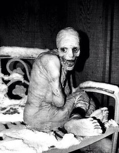 This is just too creepy for me to not post. Russian sleep experiment creepy past Arte Horror, Horror Art, Horror Movies, Real Horror, Zombies, Russian Sleep Experiment, Images Terrifiantes, Ghost Images, Ange Demon