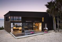 Beach house, Waiheke Island, NZ by Daniel Marshall Architects