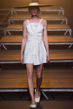 Jacquemus Spring 2017 Ready-to-Wear Fashion Show - Maggie Maurer