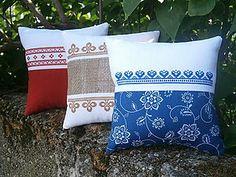 Úžitkový textil - vyšívané vankúšiky - 6743636_