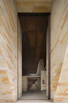 Galería de Templo de Las Cenizas y Crematorio / Juan Felipe Uribe de Bedout + Mauricio Gaviria + Hector Mejía - 33