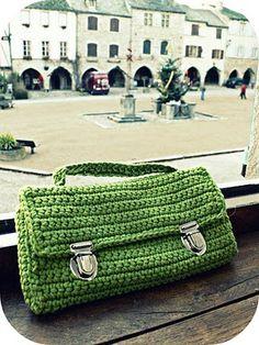 Isabelle Kessedjian: Trousse au crochet.