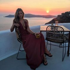 pinterest: dopethemesz ; all maroon, burgundy everything ; dress on vaca