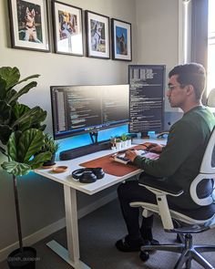 Best Computer Chairs, Computer Desk Setup, Office Interior Design, Office Interiors, Work Station Desk, Home Office Setup, Superhero Design, Computer Programming, Apartment Design