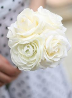 A larger group of these would be nice for bride's flowers.