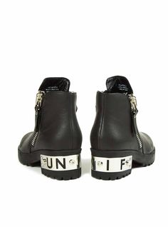 so these are american. sure I'm a 11 in american sizes Unif Clothing, Crushed Velvet, Shirt Outfit, Passion For Fashion, Shoe Boots, Personal Style, Baby Shoes, Kicks, Street Style