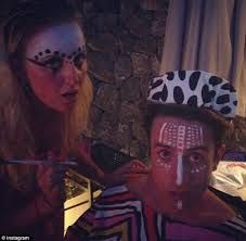 War Paint, Party Time, Carnival, Face, Bands, Happy Birthday, Painting, Happy Brithday, Carnavals