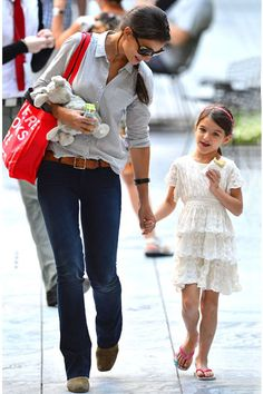 Suri Cruise and Katie Holmes Street Style celebr mom, mom style, cloth, button, cruises, 650 dress, belt, katie holmes street style, suri cruis