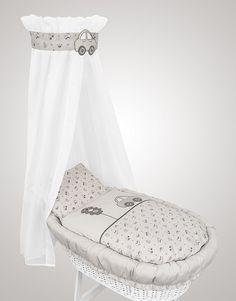 die besten 25 korbwiege ideen auf pinterest babywiege bassinet ideen und baby m dchen korbwiege. Black Bedroom Furniture Sets. Home Design Ideas