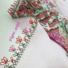 Pin Cushions, Doilies, Blouse Designs, Floral Tie, Tatting, Elsa, Diy Crafts, Shapes, Embroidery