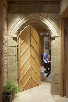 The Arched Stone Doorway From Hall To Snug And Kitchen Gives A Feeling