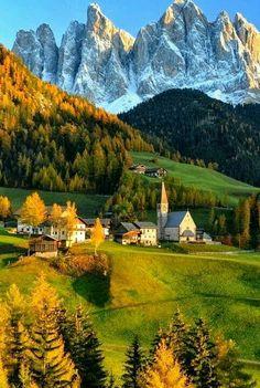 Dolomity. ITALIA