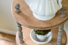 A basic looking yard-sale shelf is transformed with chalk paint and sanding into a rustic piece of furniture perfect for your farmhouse decor. Originally, I tho… Furniture Sale, Cheap Furniture, Painted Furniture, Furniture Refinishing, Furniture Ideas, Industrial Farmhouse Decor, Farmhouse Kitchen Tables, Restoration Hardware Table, Chest Of Drawers Makeover