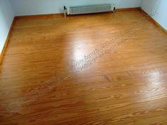 Τοποθέτηση και συντήρηση σε ξύλινο πάτωμα ή επένδυση σκάλας: Βάψιμο ξύλινου πατώματος Πιτς Πάιν σε λευκή απόχρω...