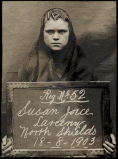 Susan Joice colta in flagranza di furto, arrestata tra il 1903 e il 1904 e fotografate dalla polizia di North Shields.