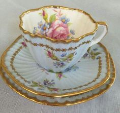 Resultado de imagen para antique tea cups and saucers China Cups And Saucers, China Tea Cups, Tea Cup Set, Tea Cup Saucer, Vintage Cups, Vintage Tea, Antique Tea Sets, Cuppa Tea, Tea Art