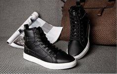 Zapatos para caballeros, de 14.33 euros http://detail.tmall.com/item.htm?spm=a2106.m896.1000384.145.01qj6m&id=35877939940&_u=h10l44d67749&scm=1029.newlist-0.bts1.50016853&ppath=413%3A800000740&sku=413%3A800000740&ug= si queria comprar, pegar el link en www.newbuybay.com para hacer pedidos