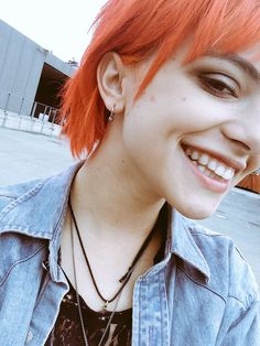 (Fc: Nia Lovelis) Hey, I'm Nia. I'm in a band called Hey Violet and I'm 15. I love reading, school, music and drums. I'm a drummer/lead guitarist