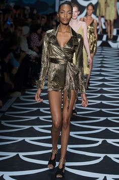 Diane von Furstenberg Fall 2014 Ready-to-Wear Collection Slideshow on Style.com