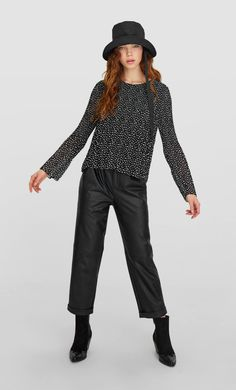 Pleated blouse with print - Women's Shirts | Stradivarius Stradivarius Worldwide Women's Shirts, Eid, Blouse, Clothes, Fashion, Blouse Band, Outfit, Clothing, Moda