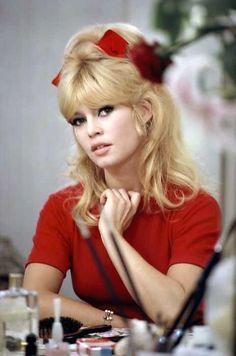 "Brigitte Bardot in ""A Ravishing Idiot"", 1963 Bridgitte Bardot, Tv Movie, Actrices Hollywood, French Actress, Hollywood Stars, Classic Hollywood, Vintage Hairstyles, Beautiful Actresses, Movie Stars"