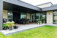 Outdoor Spaces, Outdoor Decor, Home Additions, Garden Planning, Midcentury Modern, Outdoor Gardens, Facade, Brick, New Homes