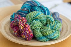 methods of spinning hand painted fiber to achieve different yarn effects - from Sweet Georgia Yarns